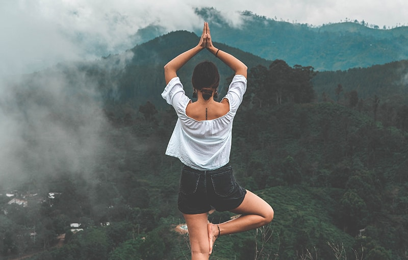yoga_yannic-laderach-Dqx4XWuXu7w-unsplash_800_510